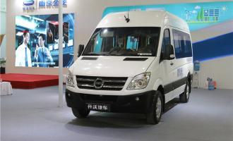 2016款D11纯电动公交车