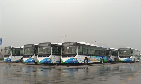 整齐排列的中通12米混合动力公交.jpg