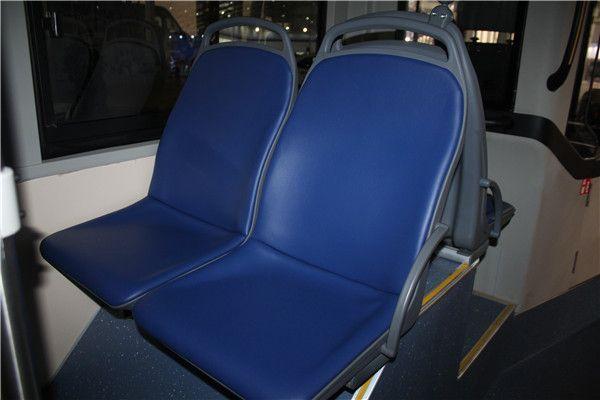 传统的公交座椅.JPG