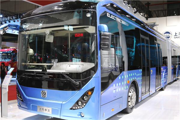 上汽申沃18米纯电动快充式BRT客车.JPG