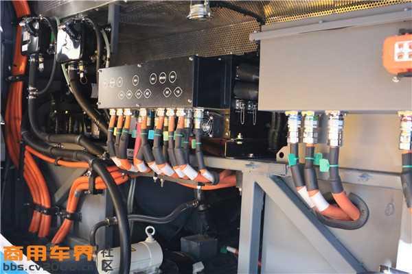 氢燃料电池的核心:电堆.JPG